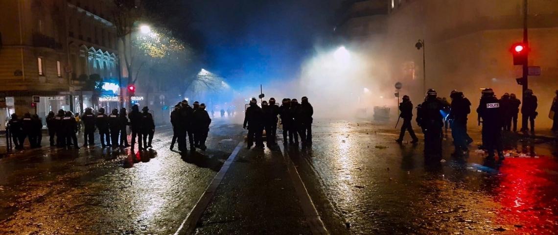 Violences policières : « Les réseaux sociaux ont apporté de l'instantanéité, mais ils participent aussi à notre oubli collectif »