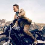 james bond sur une moto