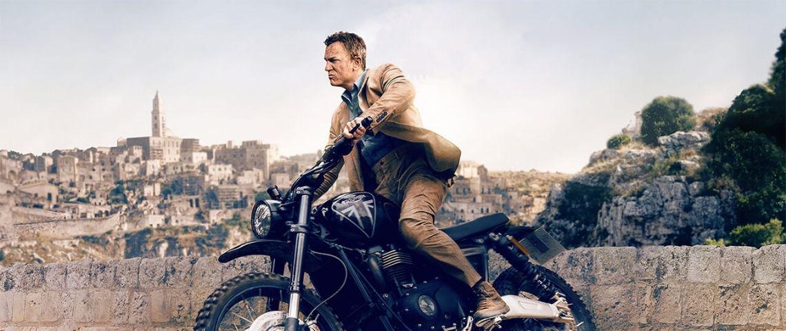 james bond sur une moto