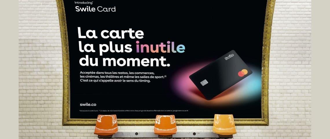 Campagne d'affichage dans le métro. Swile  -  la campagne la plus inutile du moment - . Photographie de la carte noire de Swile