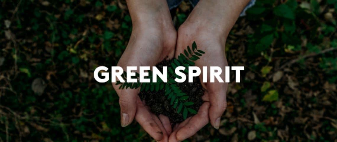 Visuel avec des mains jointes tenant de la terre, avec le message : Green Spirit