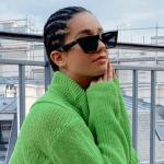 L'influenceuse Lena Mahfouf sur un balcon
