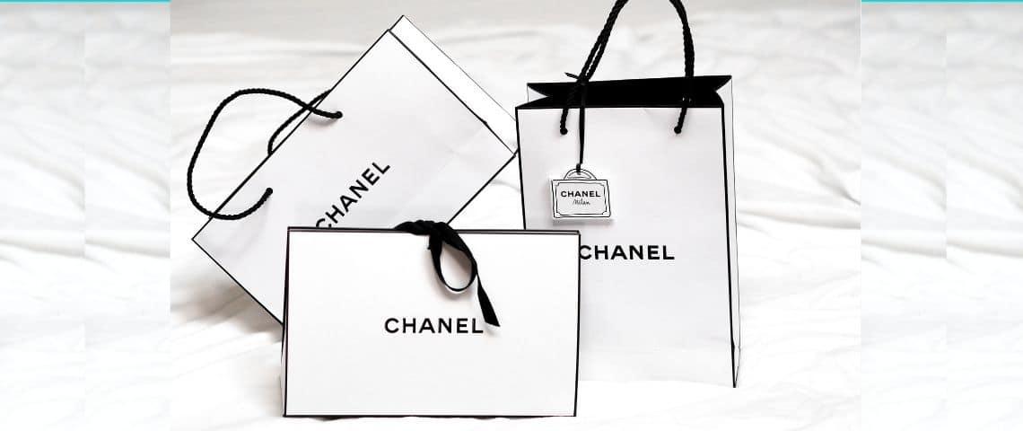Sac en papier de la marque Chanel