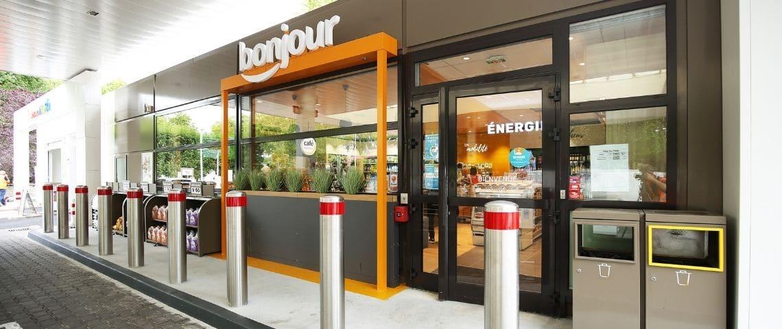 Devanture Boutique Bonjour stations Total