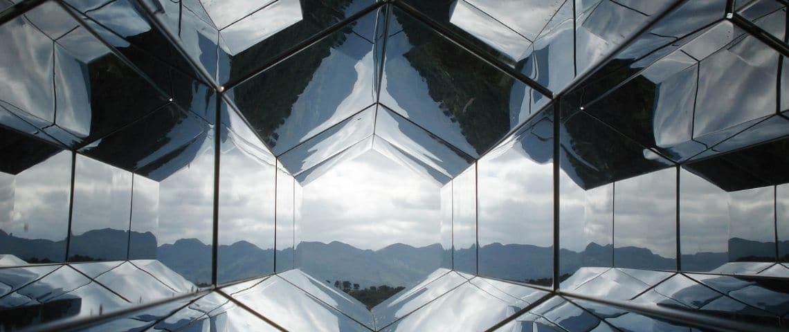 architecture innovante. Effet miroir