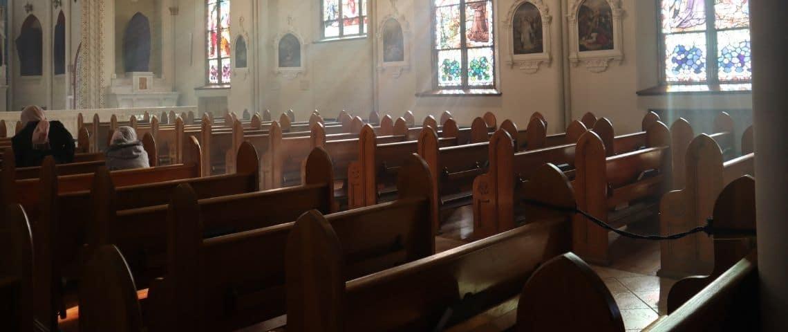 L'intérieur d'une église