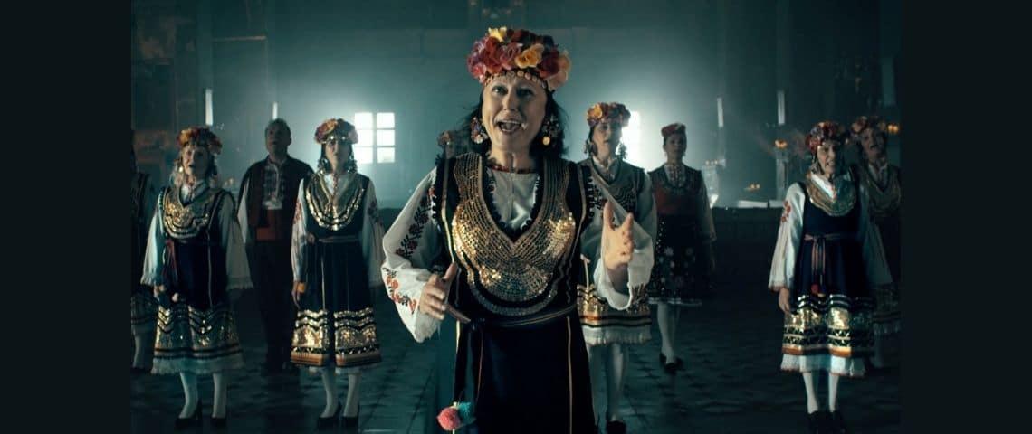 Femme russe dansant