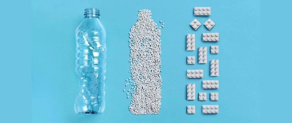 Bouteille plastique et brique de lego